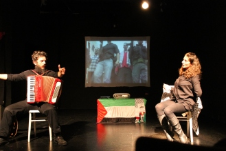 per scaricare https://ultimoteatro.files.wordpress.com/2012/12/img_1603.jpg