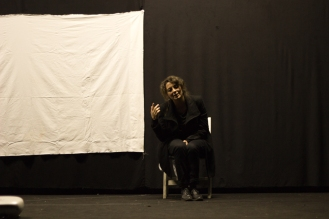 per scaricare https://ultimoteatro.files.wordpress.com/2012/12/img_8282.jpg